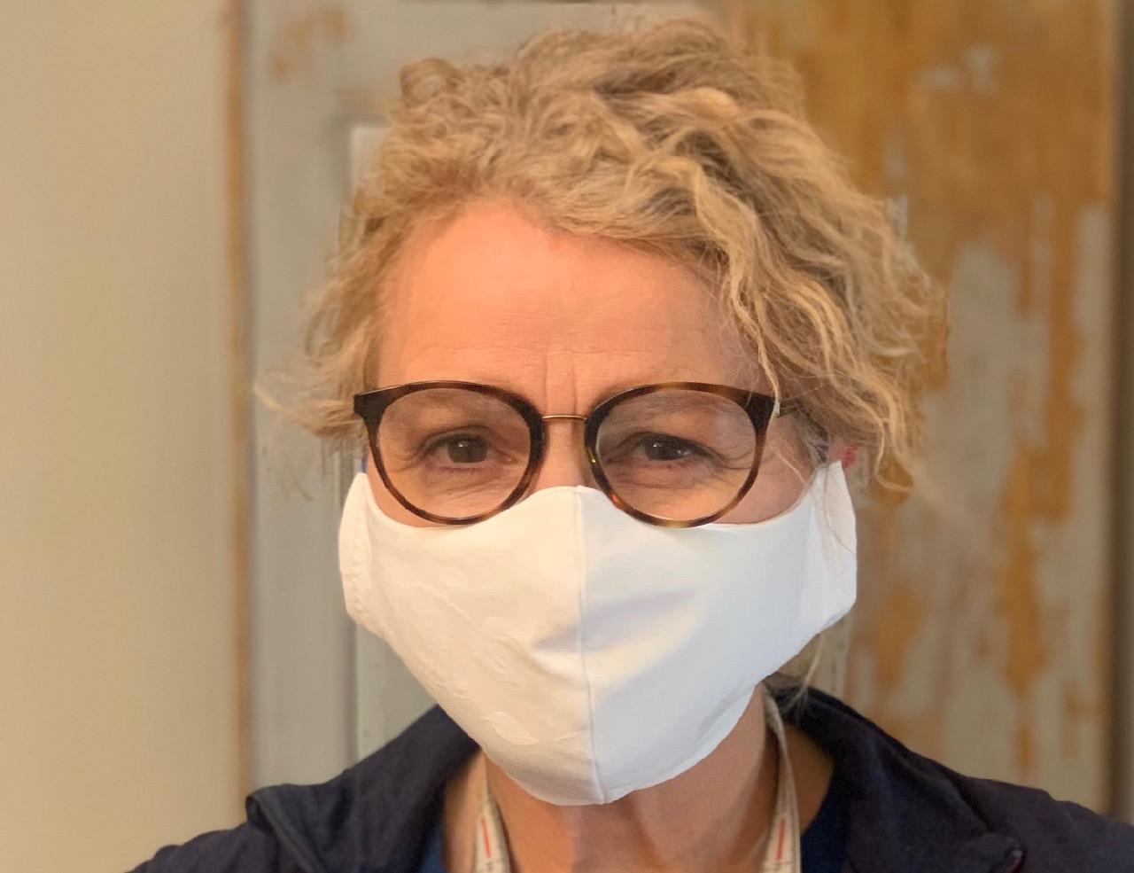 Couture solidaire : des masques pour aider les soignants du CHU de Grenoble