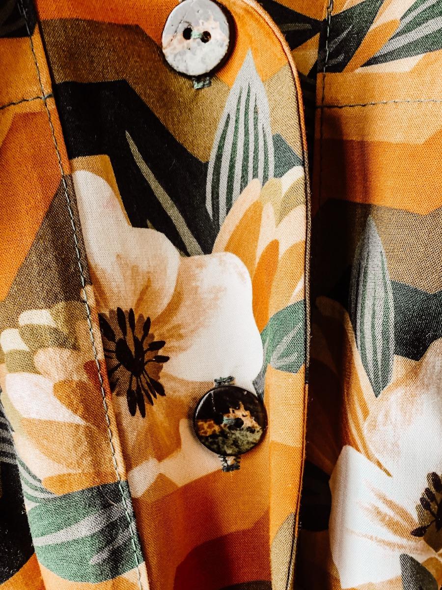 robe-reeta-detail-bouton-motif-girafe