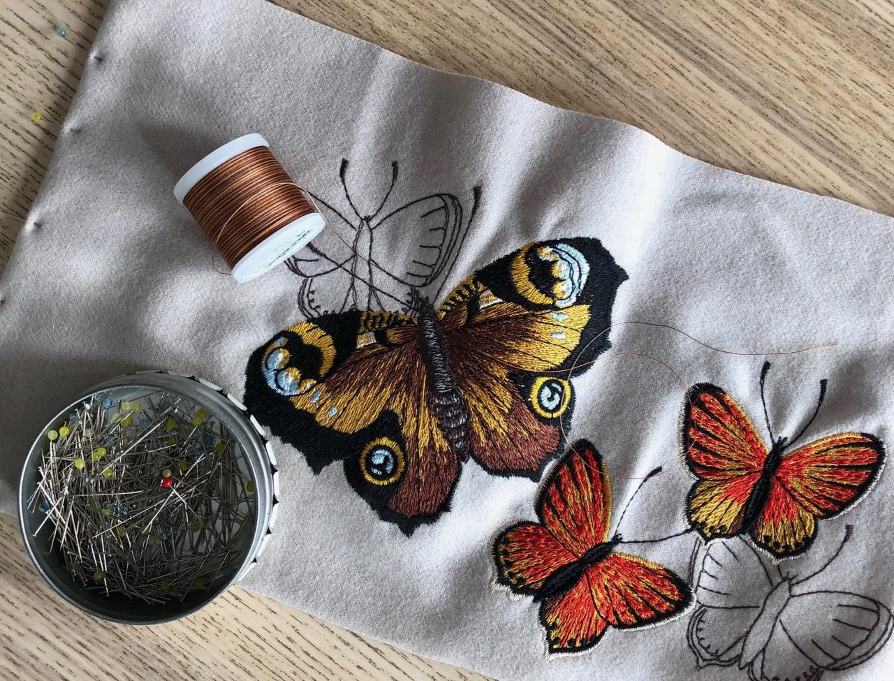 papillons brodés machine Lorraine Delhomme